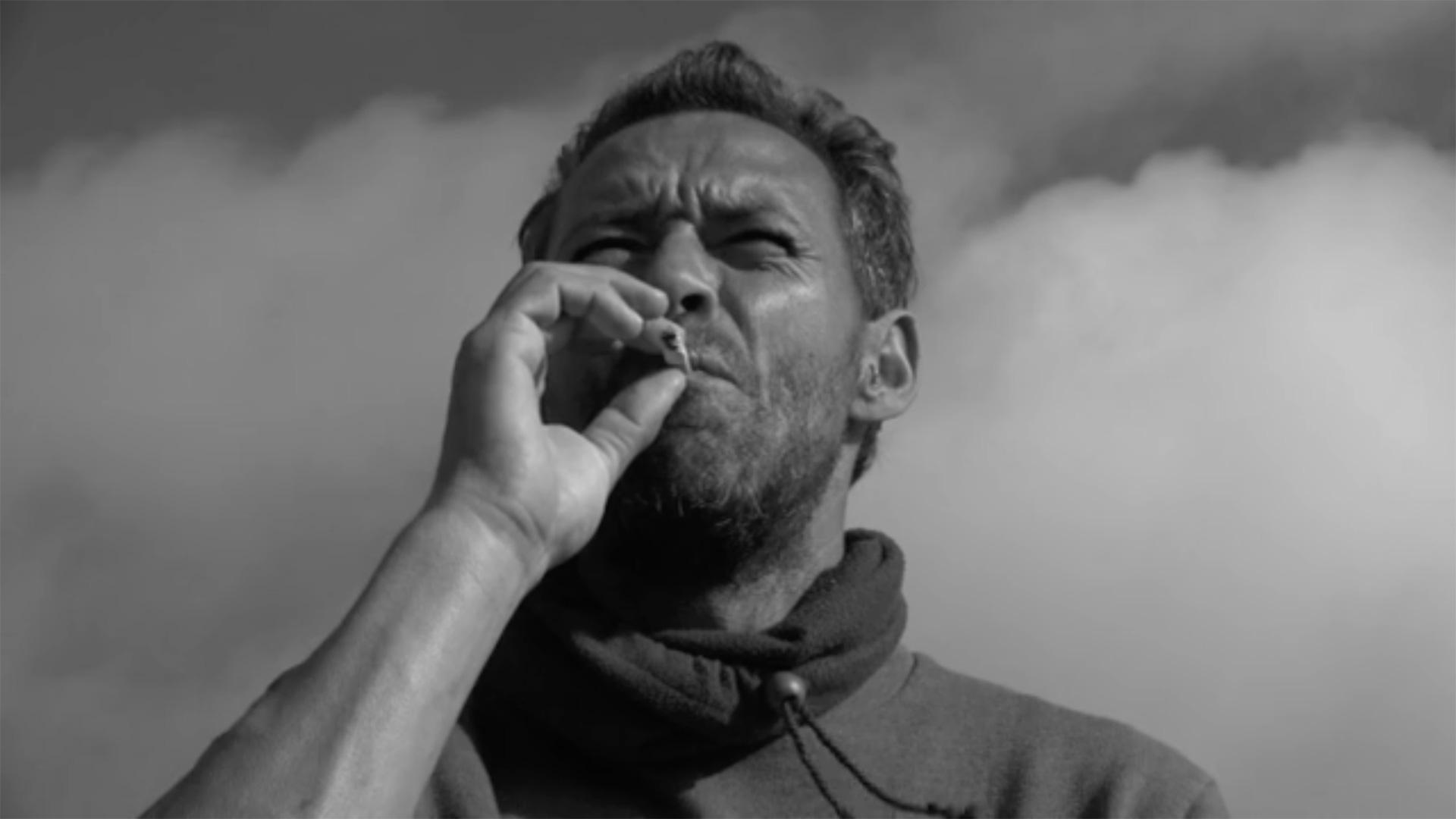 Sixty Spanish Cigarettes diMark John Ostrowski